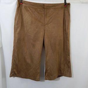 NWOT Roaman's Size 16W Casual Capri Pants NEW